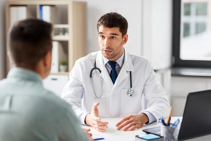 consulta con un neurocirujano